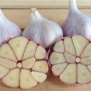 Chesnok-Red-Garlic-Bulbs.jpg